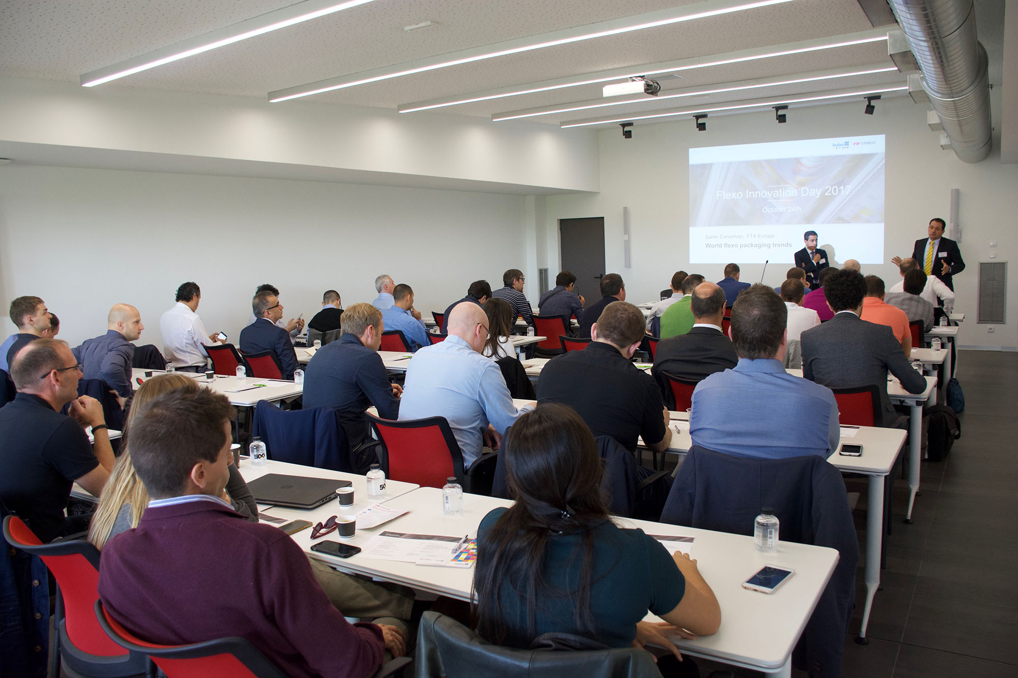 Hubergroup and Comexi present latest developments at Flexo Innovation Day