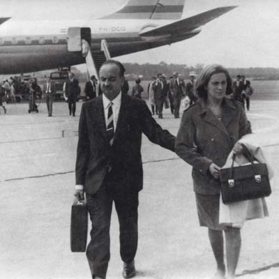 1967. Mr and Mrs Xifra in Buenos Aires, introducing Comexi to the international market. In 1970 exports reach 50%.